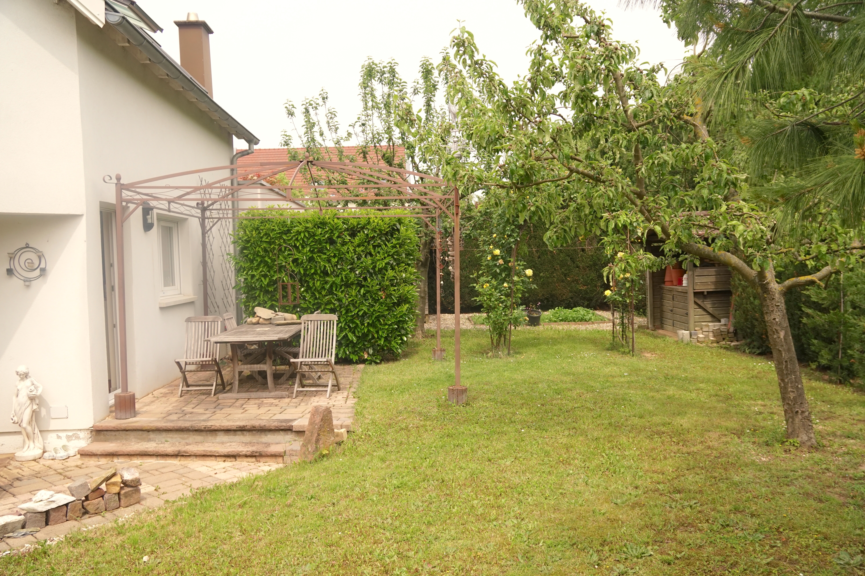 jardin avec double terrasse arrière
