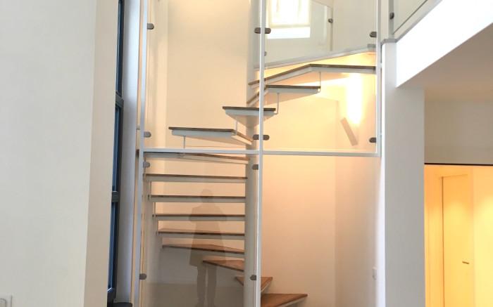 accès bas escalier
